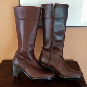 Dansko Tall Leather Zipper Boots!